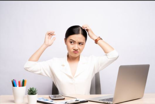 Natural Remedies to Cure Dandruff